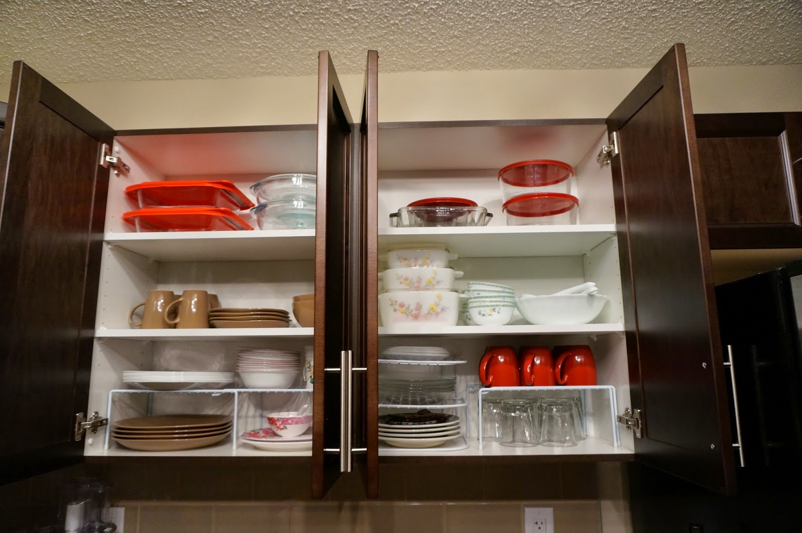 We love cozy homes how to organize kitchen cabinet shelves for Kitchen cabinet shelves
