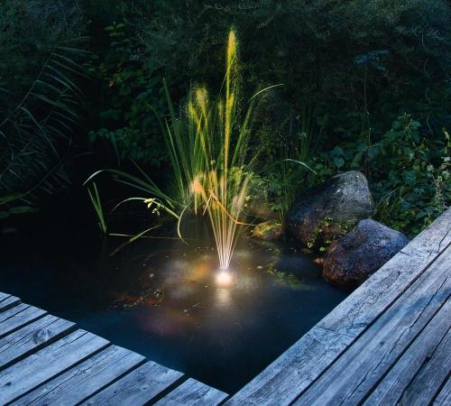 Jard n solar bater as estancas para bombas solares de jard n - Fuentes solares para jardin ...