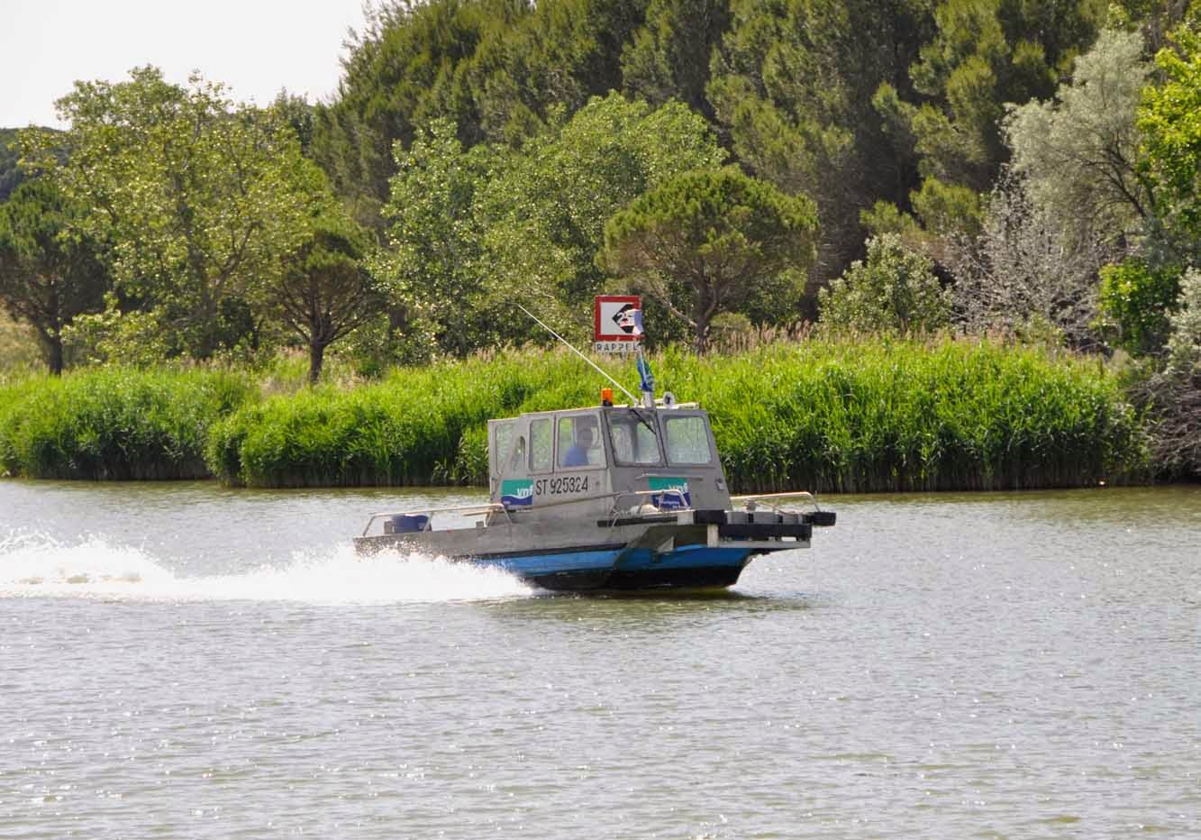 bateau aiguës mortes