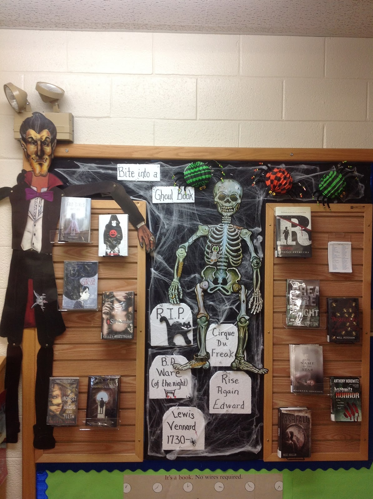 Indie Library Halloween Decorations in the Library ~ 114026_Halloween Decorating Ideas Library