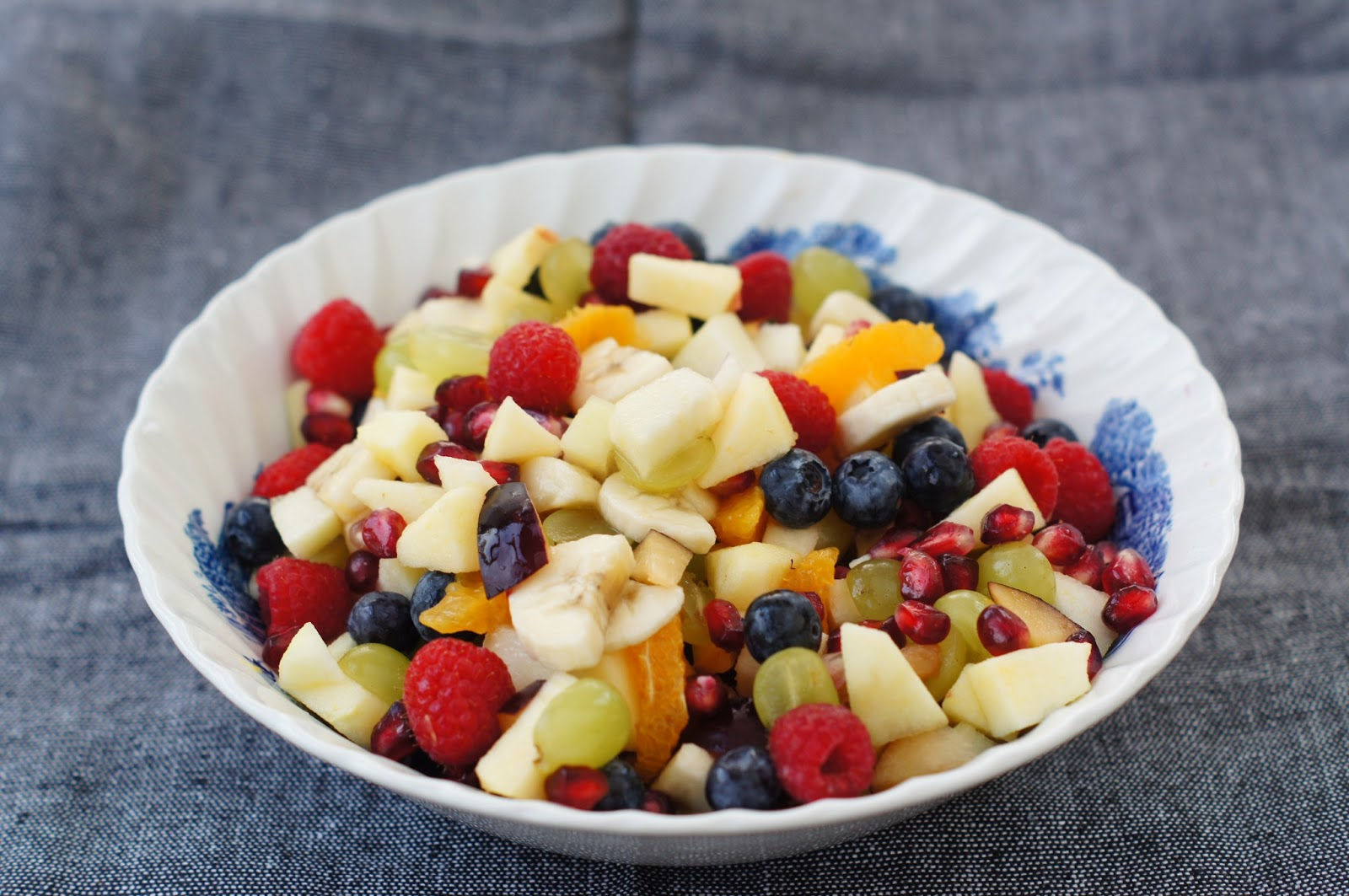 frugtsalat med fløde