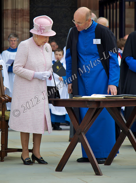 HM The Queen with The Dean of Hereford Cathedral, The Very Reverend Michael Tavinor © Jonathan Myles-Lea