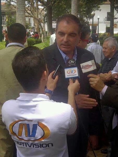 Entrevista con el Ministro del Interior Aurelio Irragori Valencia