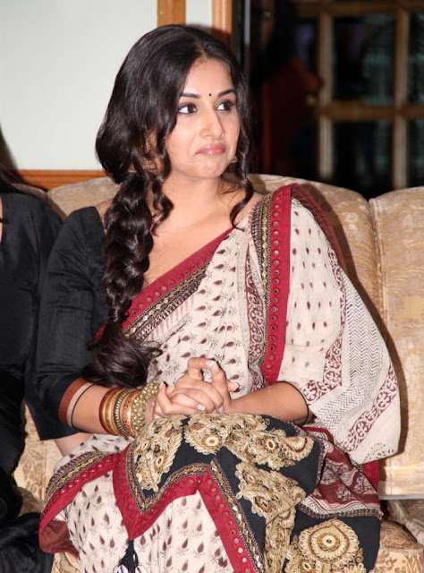 Vidya Balan & Mallaika at 'Indian Film Festival of Melbourne 2013'
