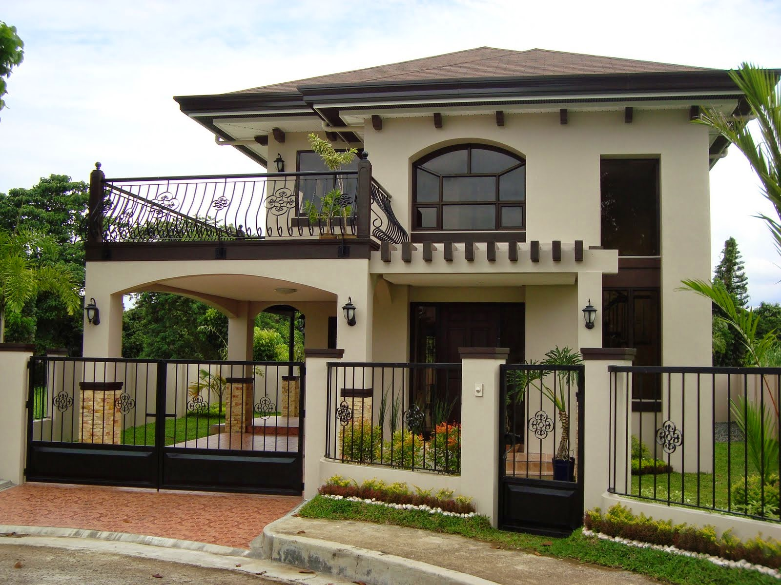 30 beautiful 2 storey house photos bahay ofw for Small two storey house