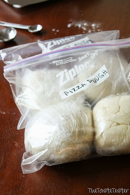 Quick n' Easy Pizza Dough + How to Freeze It!