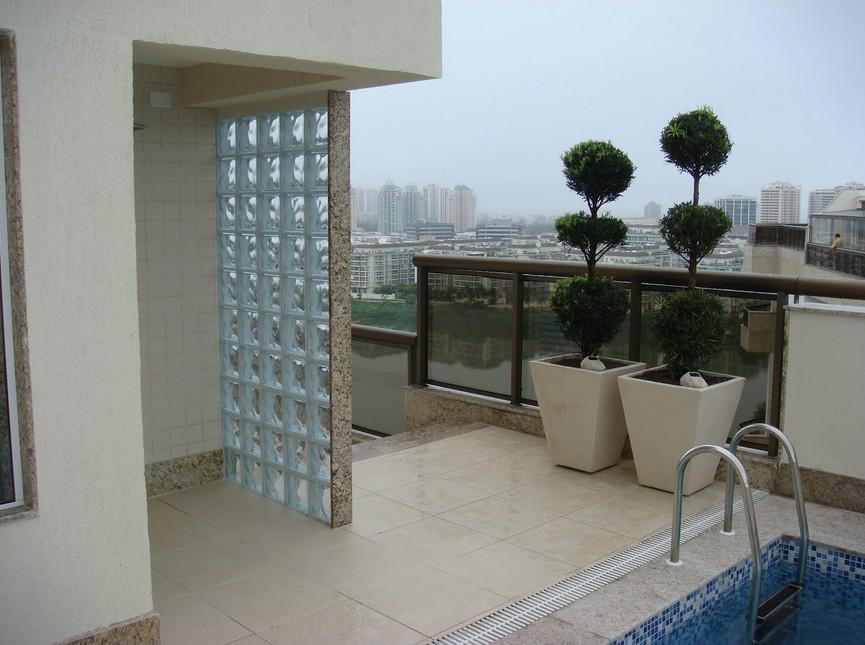 varanda com tijolo de vidro, ambientes pequenos