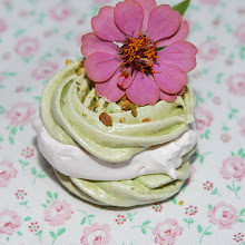 Pistachio Meringues
