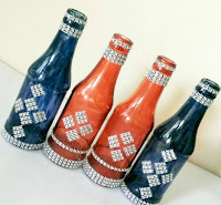 http://creativekhadija.com/2015/08/diy-glass-painted-bottles-decoration-recycling-ideas/