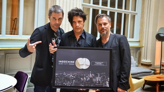 Indochine recibe el Doble Disco de Platino por su BCP