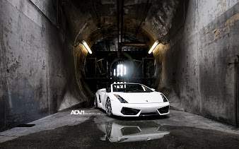 #35 Lamborghini Wallpaper