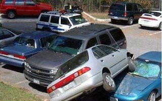 funny pics of wrongly parked car