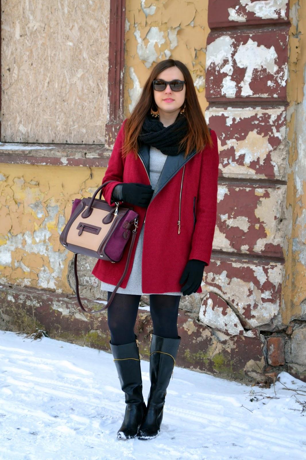 Okulary Ray-Ban, Zegarek Kors,bordowy płaszcz, stylizacja z płaszczem na zime, oficerki,