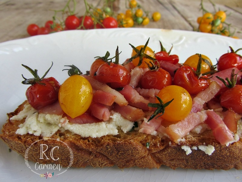Tosta Con Queso Y Tomates Cherry
