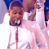 "Usher and Nicki Minaj perform ""She Came To Give It To You"""
