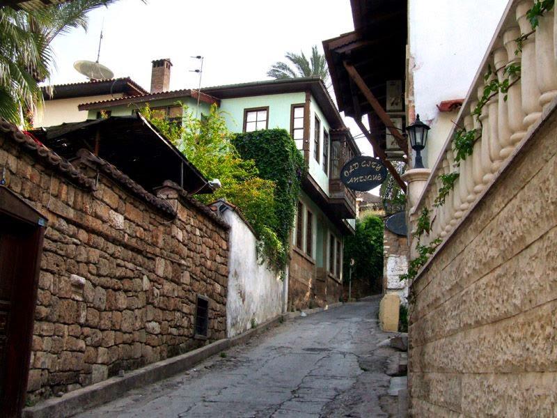 نبذه عن كالسي المدينة القديمة في أنطاليا