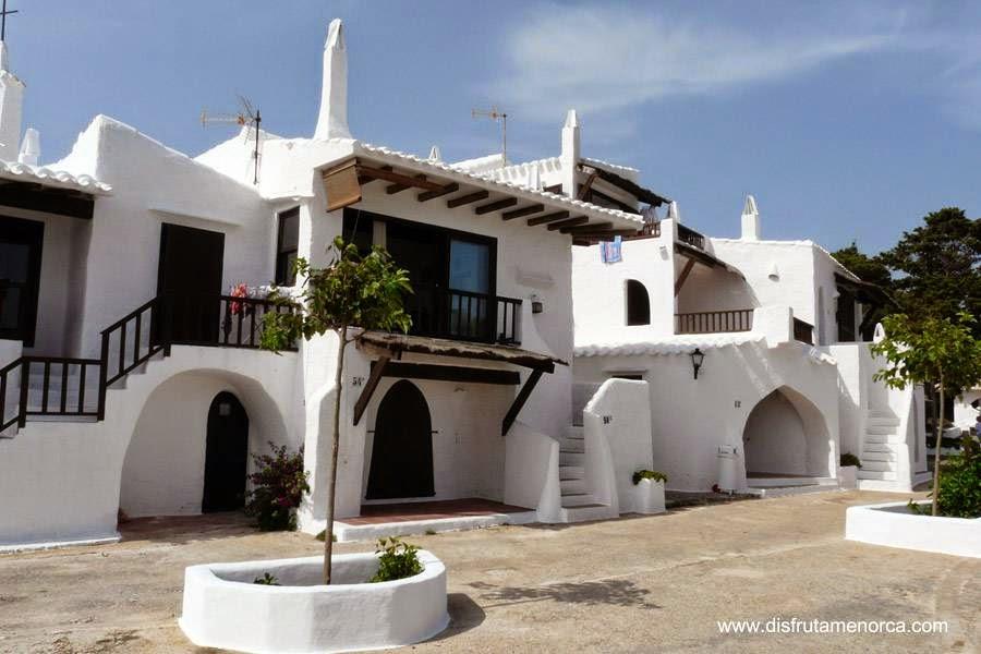 Arquitectura de casas casas blancas de pueblo en menorca - Casas en menorca ...