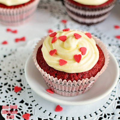 Ooh, Look...: For the Love of Red Velvet Cupcakes