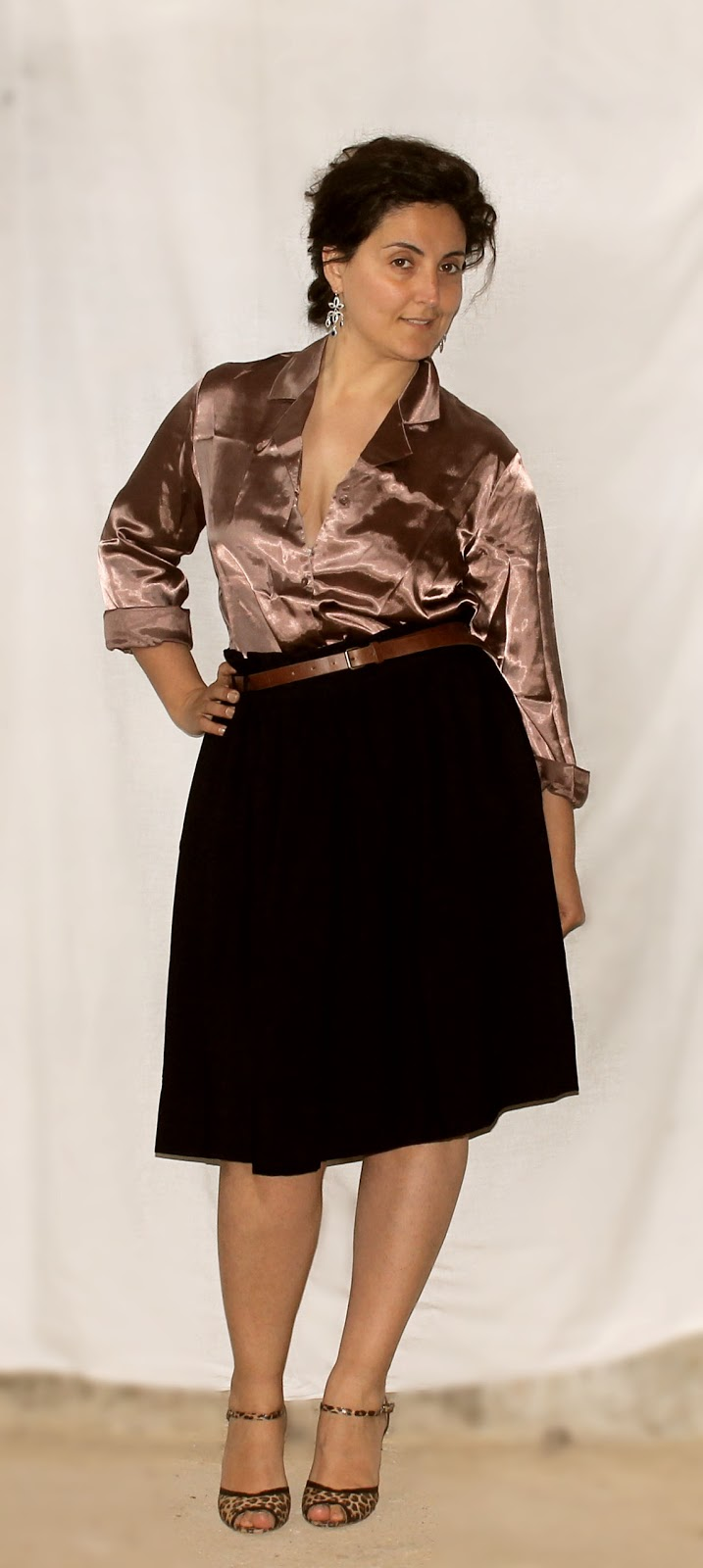 a ladylike vintage inspired outfit for curvy women