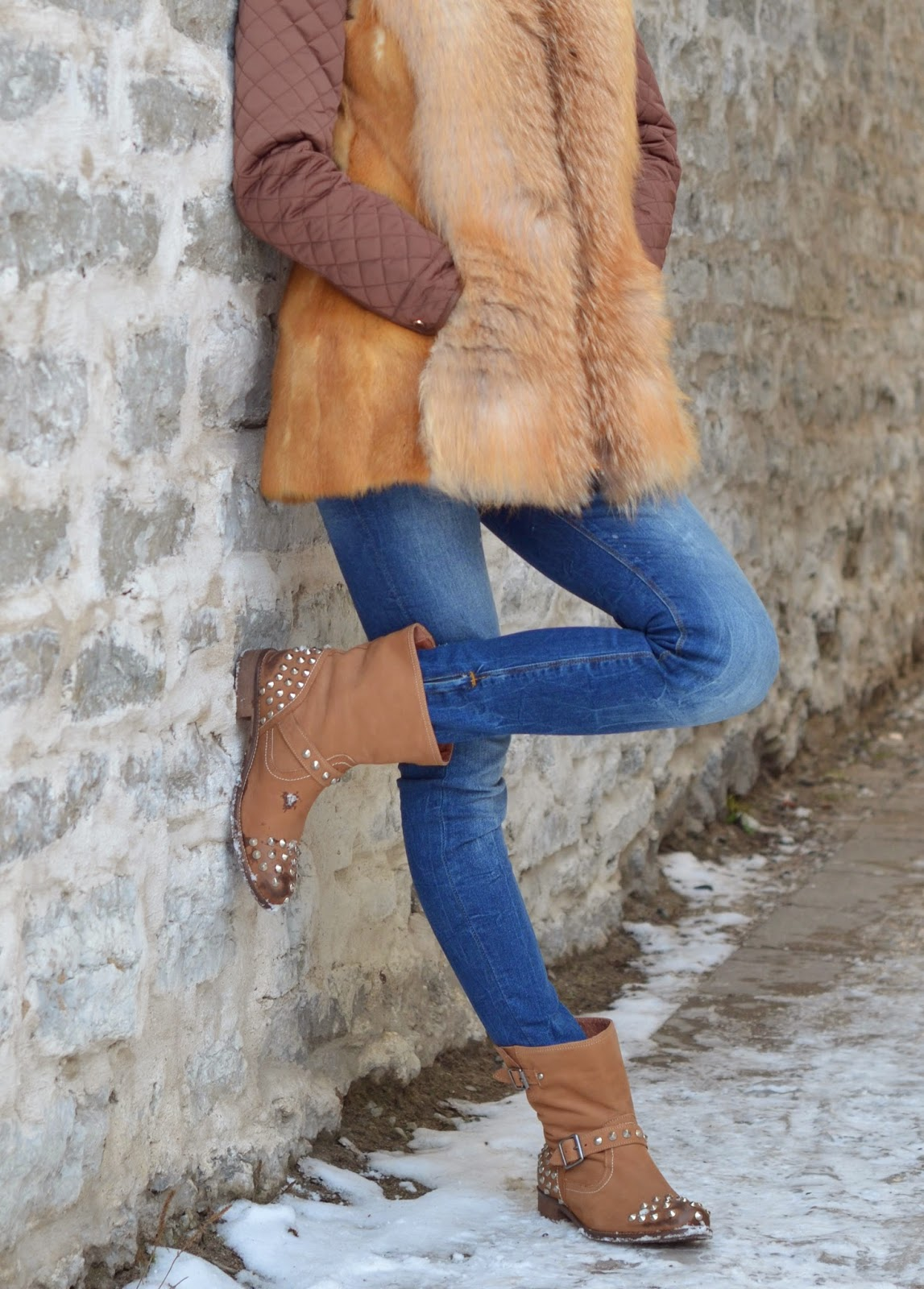 quilted-jacket-fur-vest-jeans-ankle-boots