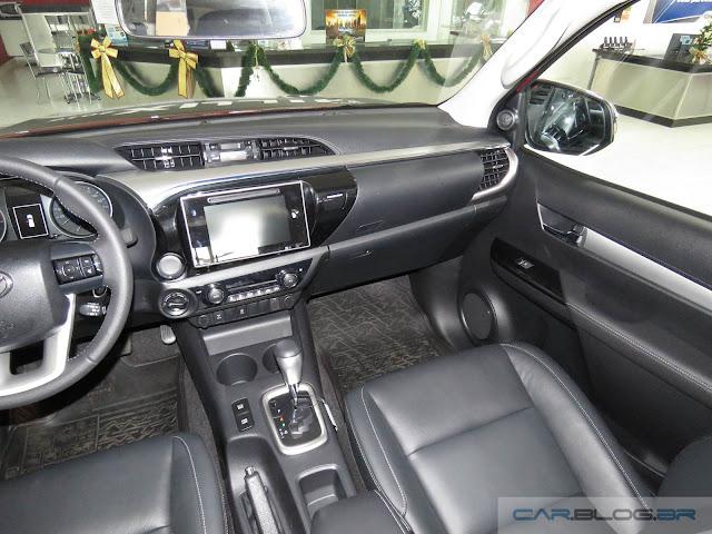 Nova Toyota Hilux 2016 SRV A/T - interior