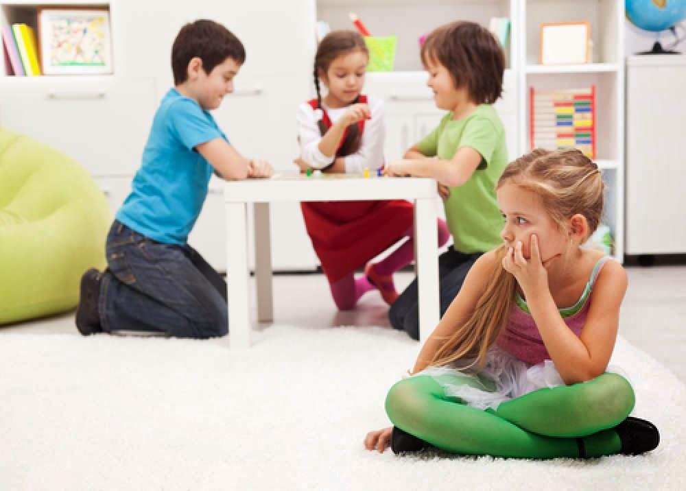 haloMOM-Anak MOM Fobia Sosial?? Kenali Lebih Lanjut yukkkk.......