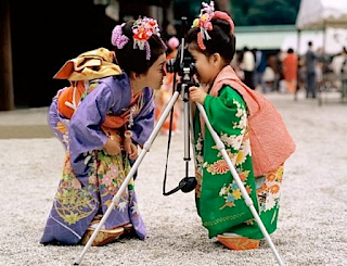 funny picture: children in china with camera