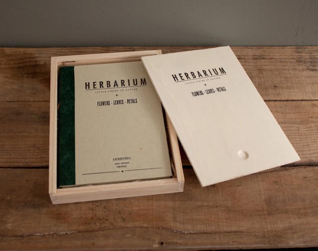 HERBARIUM - flowers - leaves - petals - wood box package by ARMINHO