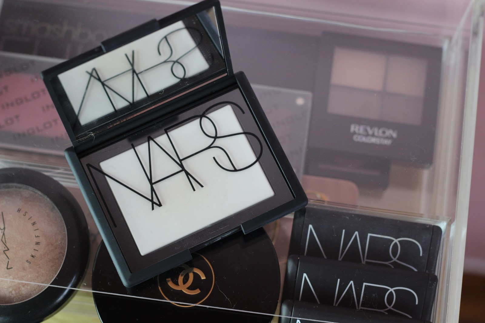 Nars Light Reflecting Pressed Powder In Crystal