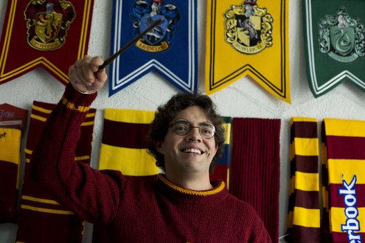 Mexicano entra para o livro do Guinness World Records por ter a maior coleção de 'Harry Potter' | Ordem da Fênix Brasileira