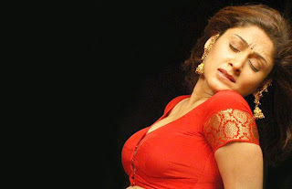 manjari hot pic in red dress boobs out
