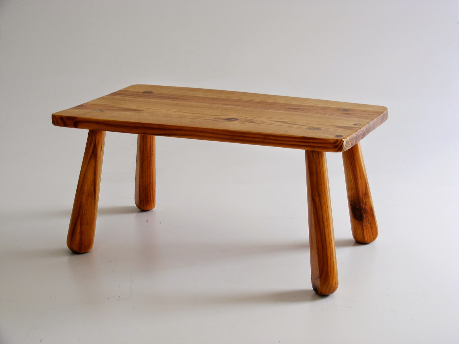 Beautiful Very Sweet Solid Pine Retro Coffee Table With Fat Splayed Legs.