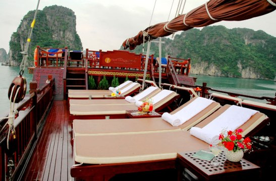 Sundeck - Red Dragon Cruise
