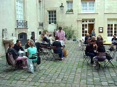 Dicas pr ticas de franc s para brasileiros 20 sugest es for Jardin lazare rachline rue payenne paris 3eme