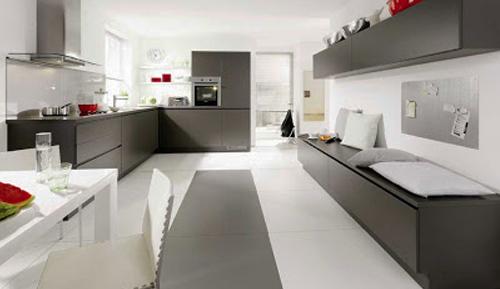 Membuat Lantai Dapur Bersih Berkilau