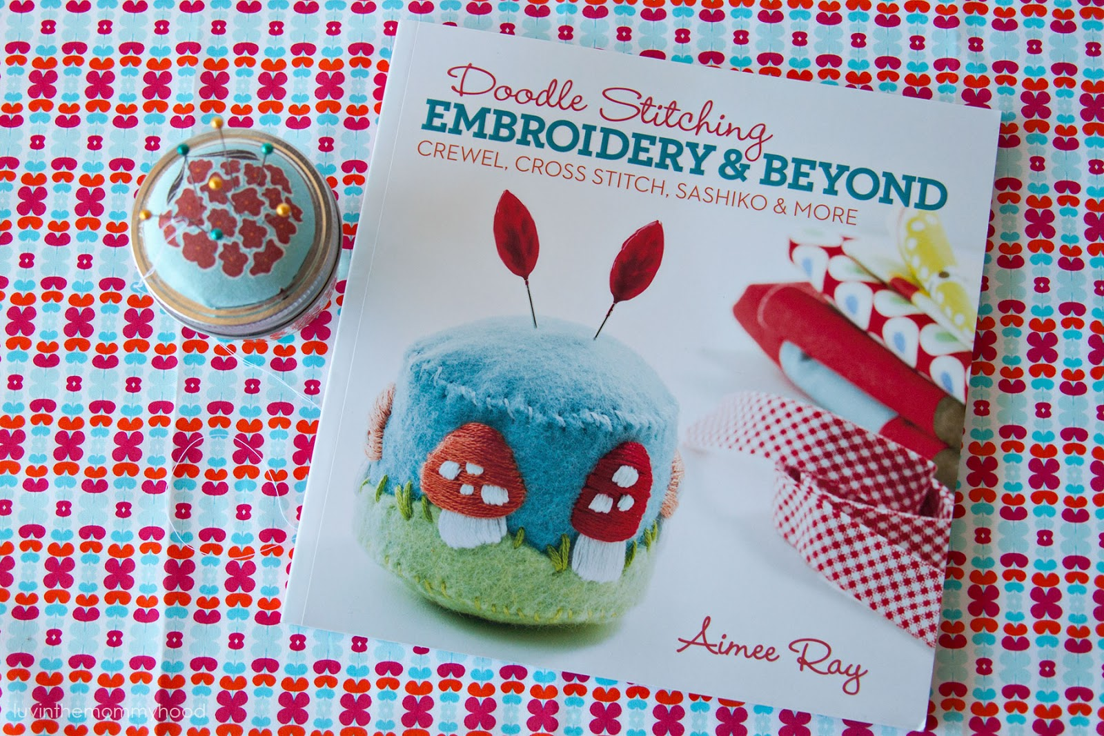doodle stitching book review & giveaway on luvinthemommyhood.com