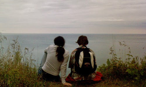 Tips Berpacaran dengan Teman Kakak atau Adik