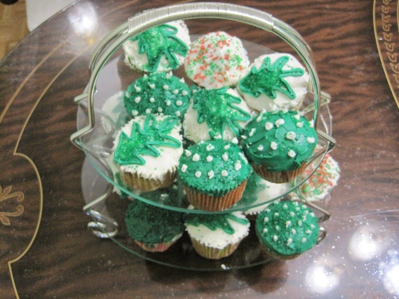 Ajantha Cakes/Christmas Cupcakes