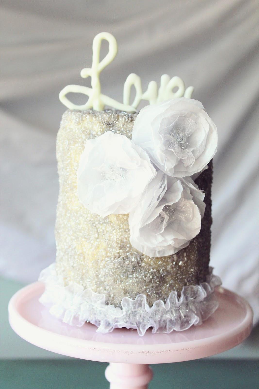 Icing Designs: Mini glittery cake with chocolate deco love topper