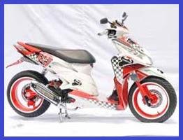 Honda Vario Techno CBS Gaya Racing Elegan Gambar Foto Modifikasi Motor Terbaru 3.jpg