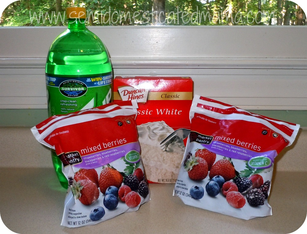 Easy Berry Cobbler Recipe With Cake Mix And Sprite