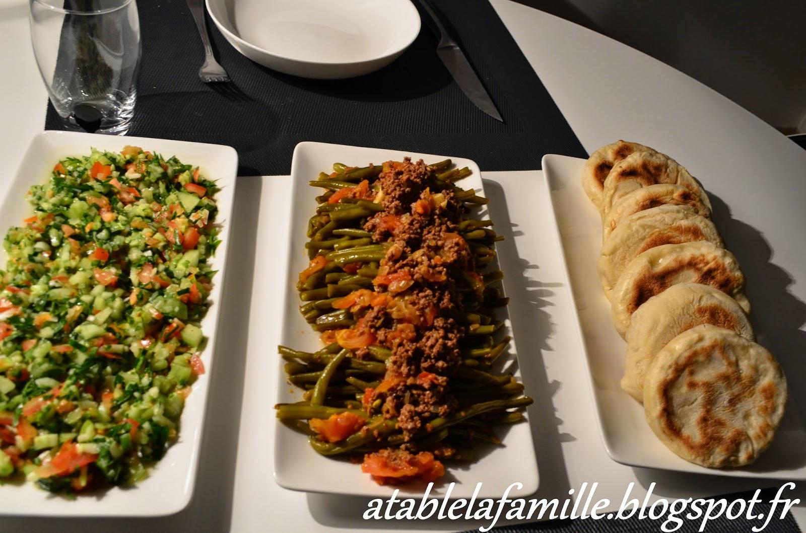 un repas simple et sain haricots verts salade pain maison a table la famille. Black Bedroom Furniture Sets. Home Design Ideas