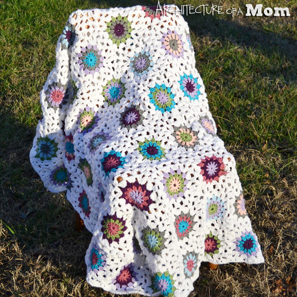 Crochet Circle Blanket with Granny Squares