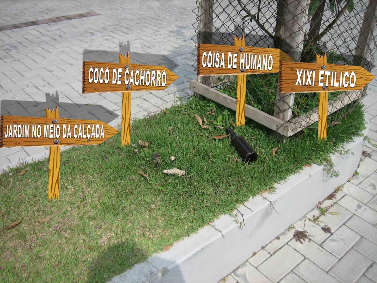 #A47027 Banheiro público de cachorro fica na calçada. 1600x1200 px Banheiro Para Cachorro Com Poste 2659