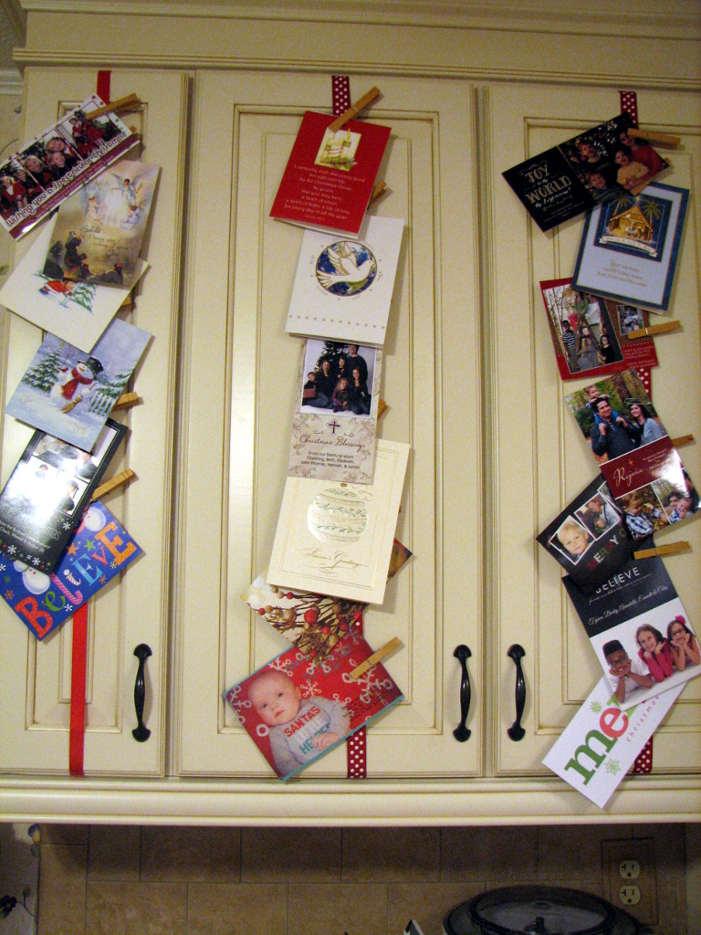 Mary Ann\'s House: Pinned It, Made It: Hanging Christmas Cards