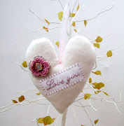 Flower Compact MirrorGingerbread Cupcake