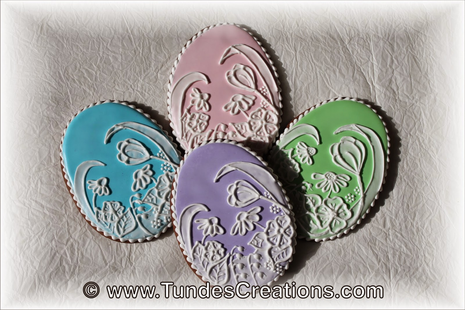 Easter egg cookies with white flowers by Tunde Dugantsi