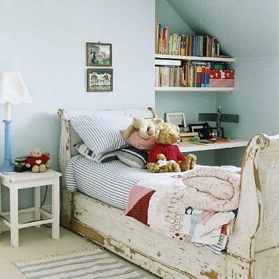 Shabby in love distressed furniture ideas for Diy shabby chic bedroom ideas