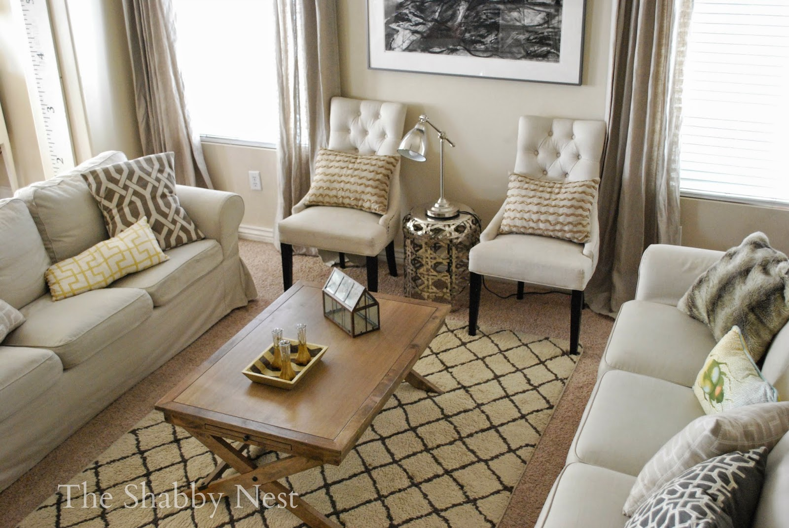 The shabby nest how to decorate making a rental or any for Current living room designs