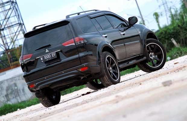 modifikasi mobil mitsubishi pajero sport hitam